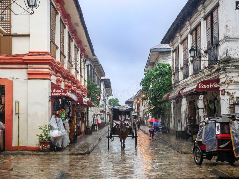 Um vagão em um dia chuvoso, cidade de Vigan, Filipinas agosto 24,2018 foto de stock
