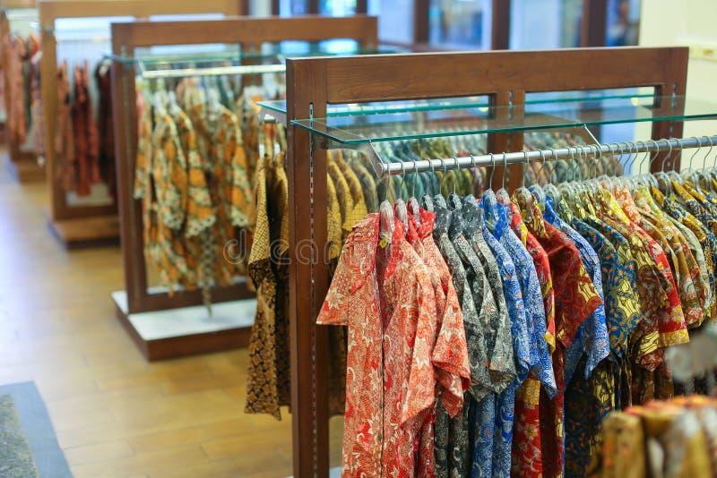 Um vestuário na loja foto de stock royalty free