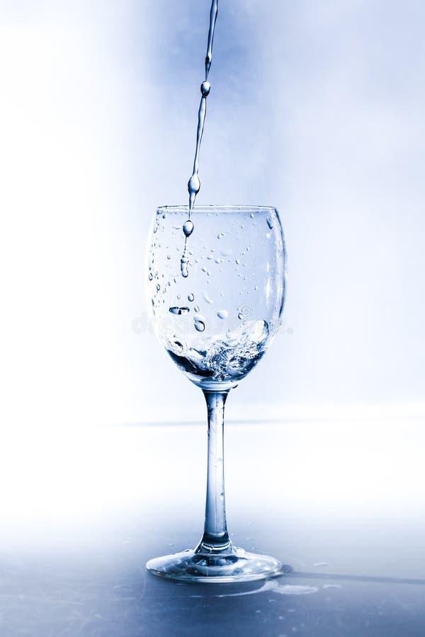 Um vidro com água foto de stock royalty free