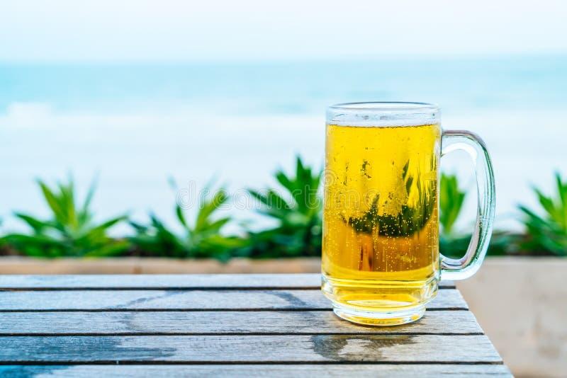 Um vidro da cerveja foto de stock