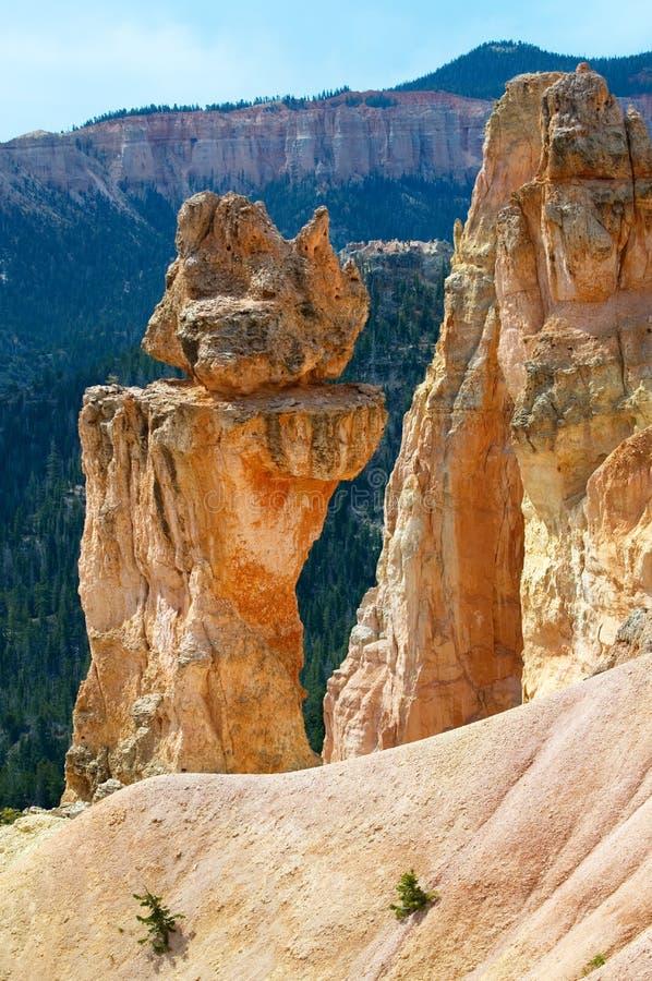 Uma única formação geological como visto do ponto da inspiração em Bryce Canyon National Park foto de stock