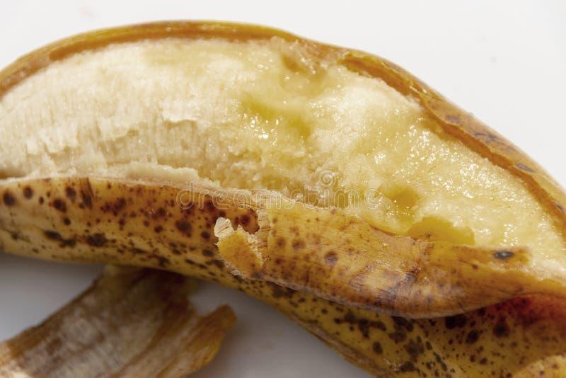 Uma banana madura imagem de stock