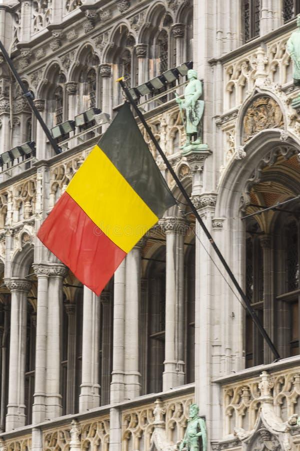 Uma bandeira belga que acena em Bruxelas foto de stock royalty free