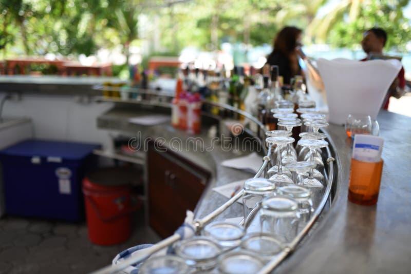 Uma barra em Phuket imagem de stock
