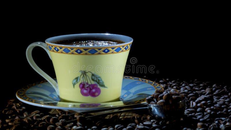 Uma bebida favorita pequena do café preto dos deuses foto de stock royalty free