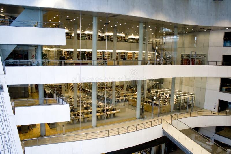 Uma biblioteca moderna - a biblioteca real, Copenhaga imagens de stock