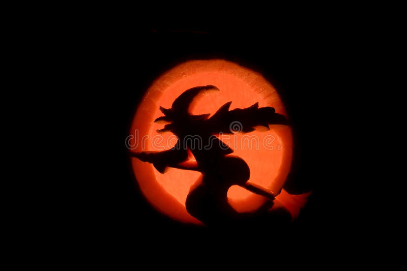 Uma bruxa e a lua foto de stock royalty free