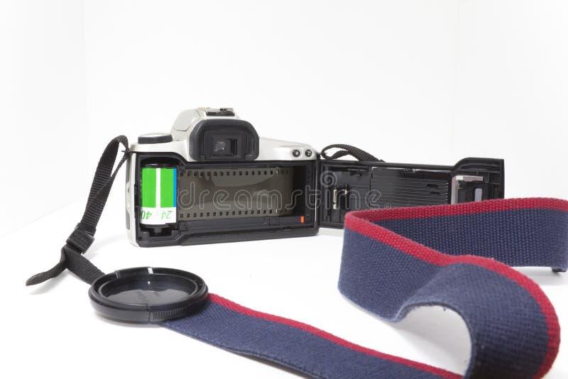 Uma câmera de 35mm SLR aberta da parte traseira foto de stock
