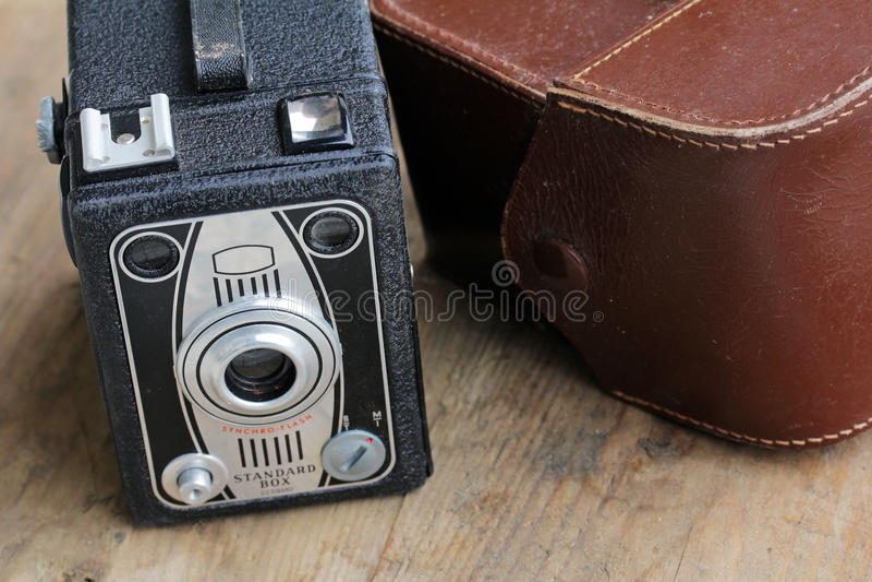 Uma câmera de caixa velha fotografia de stock