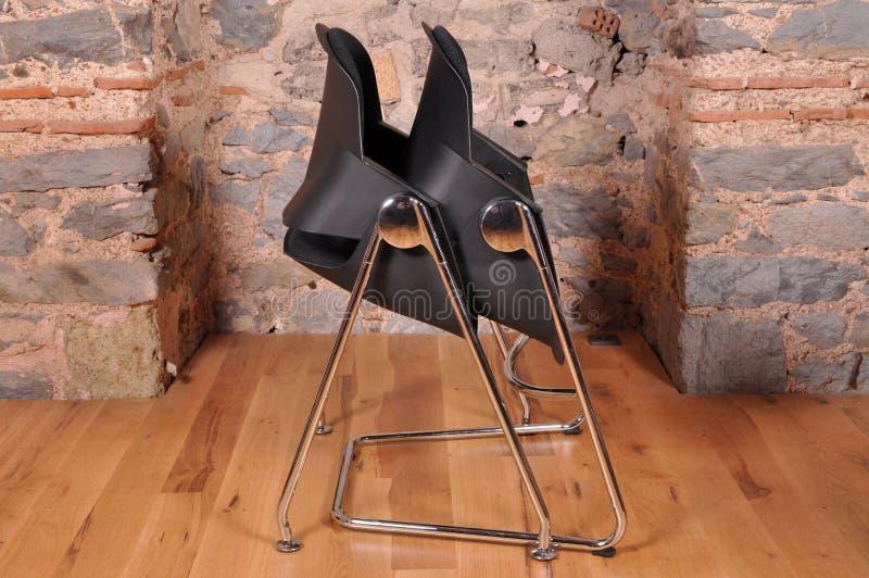 Uma cadeira do escritório fotografia de stock royalty free