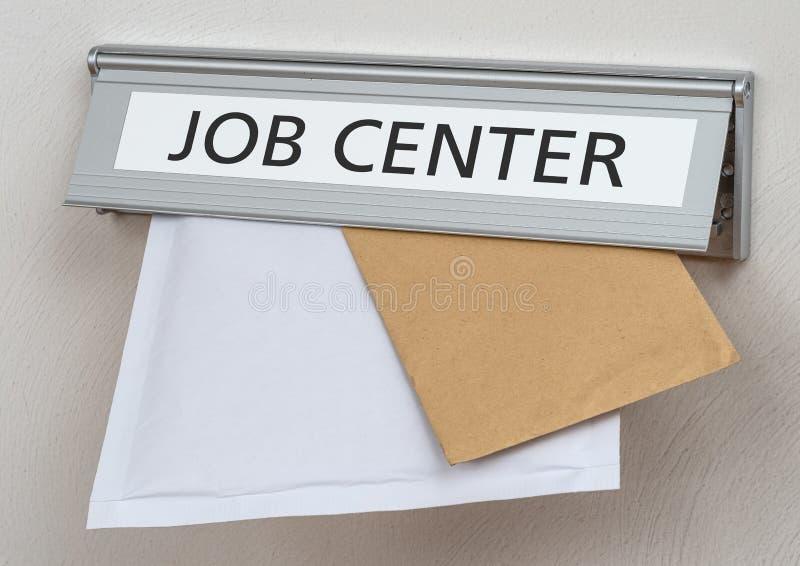 Uma caixa de letra com o centro de trabalho da etiqueta foto de stock royalty free