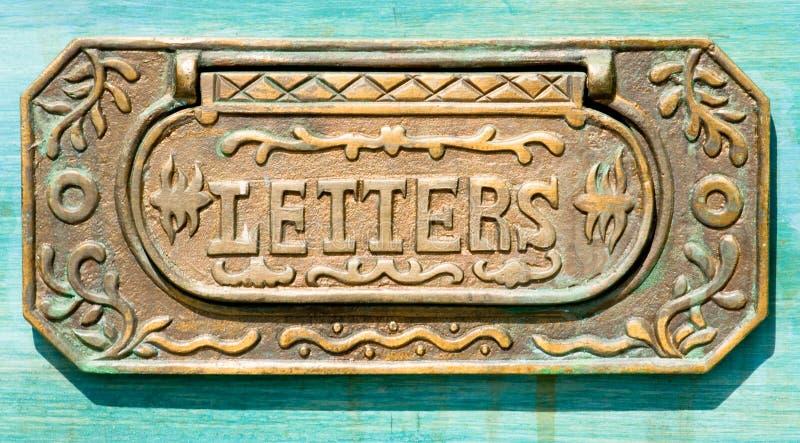 Uma caixa de letra do ferro imagens de stock