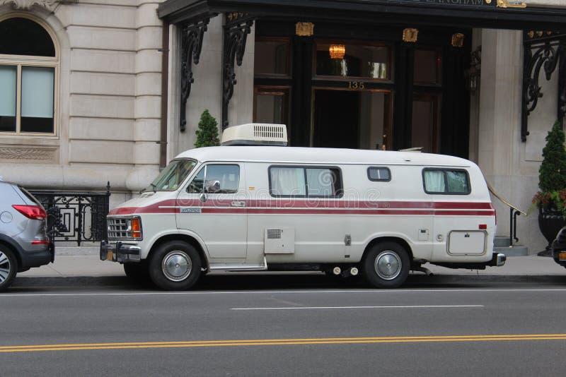 Uma camionete estacionada em Columbus Av, New York fotografia de stock
