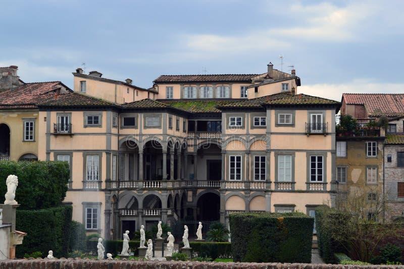 uma casa de campo italiana do estilo imagem de stock