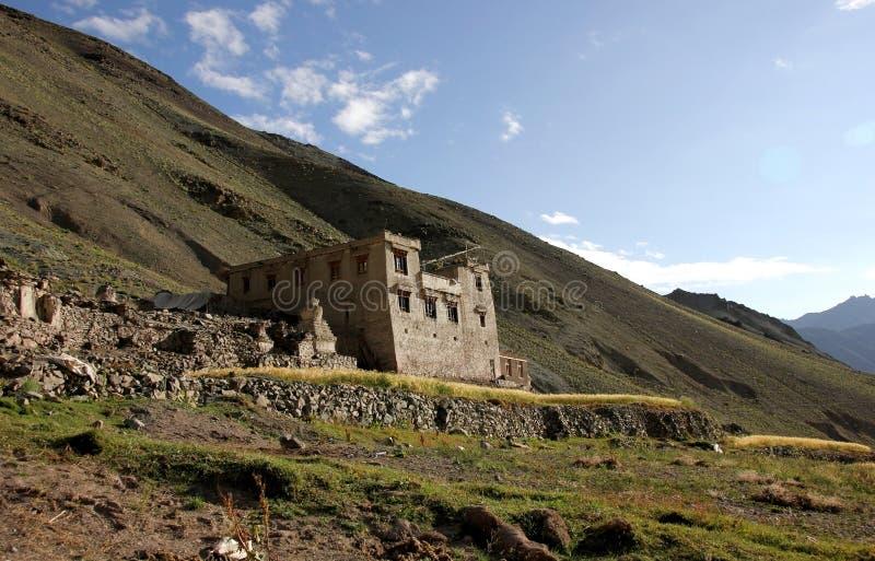 Uma casa de Ladakhi em Yurutse fotografia de stock royalty free