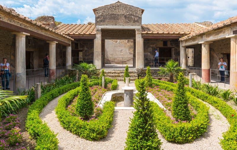 Uma casa em Pompeii, Itália foto de stock