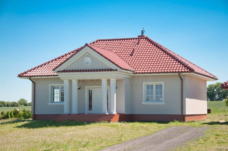 Uma casa pequena da família fotografia de stock