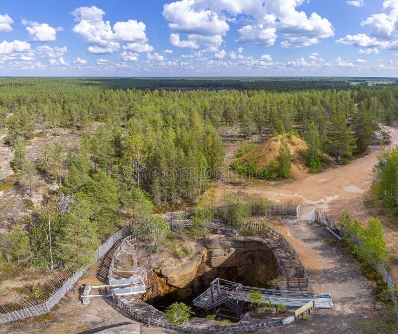 Uma cavidade que corroída os diabos se aninham em Finlandia do sul, a erosão a mais profunda da terra em Europa fotografia de stock royalty free
