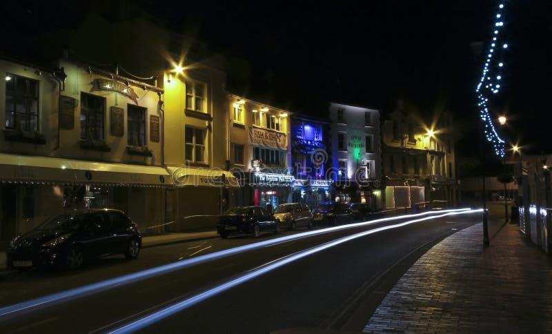 Uma cena da noite no Quay, Brixham imagem de stock
