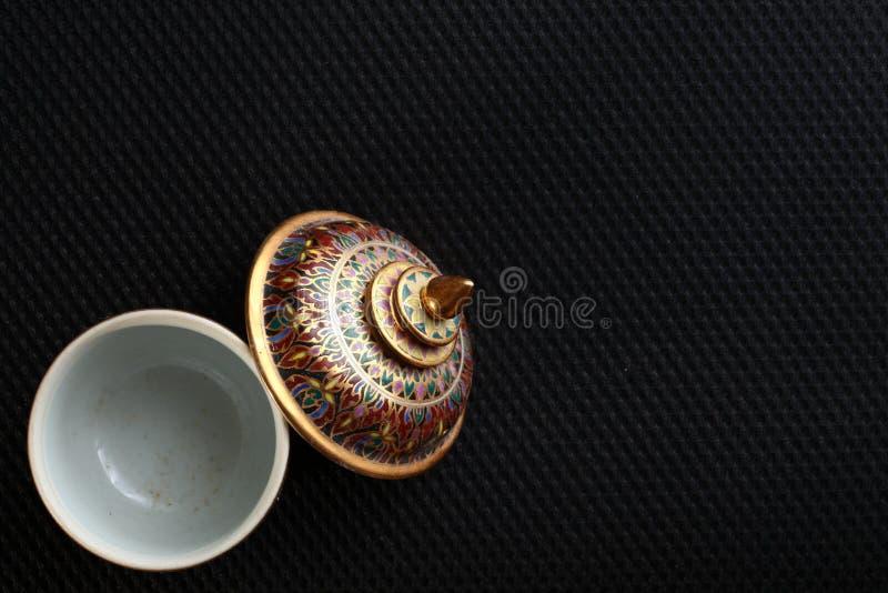 Uma cena famosa cinco-colorida tailandesa tradicional da porcelana imagens de stock royalty free