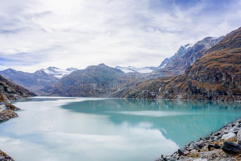 Uma cena outonal em Suíça da taxa de Saas fotografia de stock royalty free