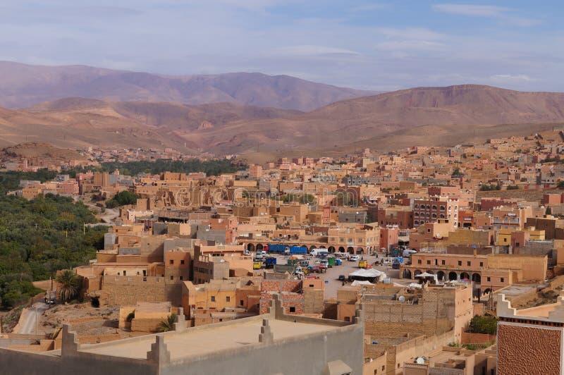 Uma cidade perto dos oásis em Tineghir, Marrocos imagem de stock
