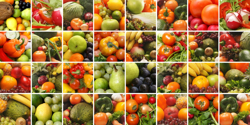 Uma colagem de frutas e verdura frescas e saborosos imagem de stock