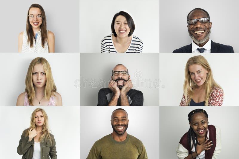 Uma colagem do retrato do estúdio de povos diversos fotos de stock