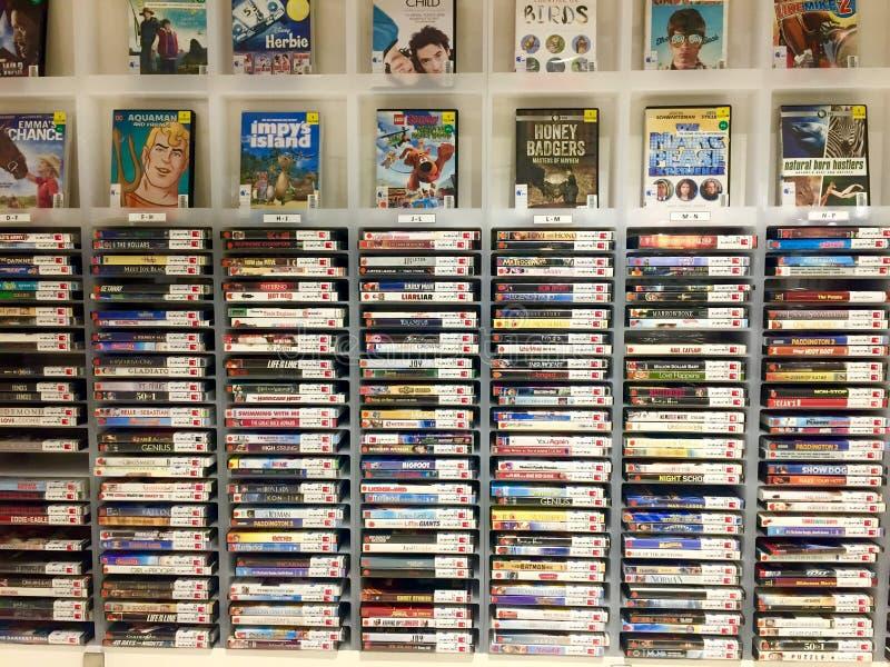 Uma coleção de DVD imagens de stock