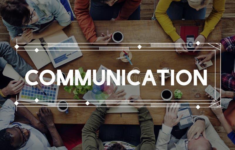 Uma comunicação comunica o conceito da conversação da discussão fotografia de stock