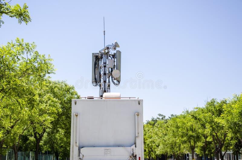 Uma comunicação móvel da emergência do veículo foto de stock