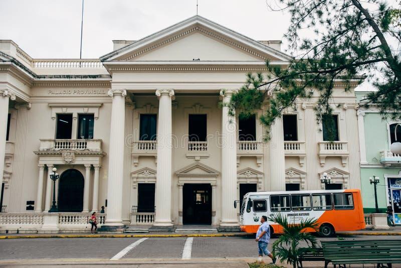 Uma construção em Santa Clara, Cuba fotos de stock royalty free
