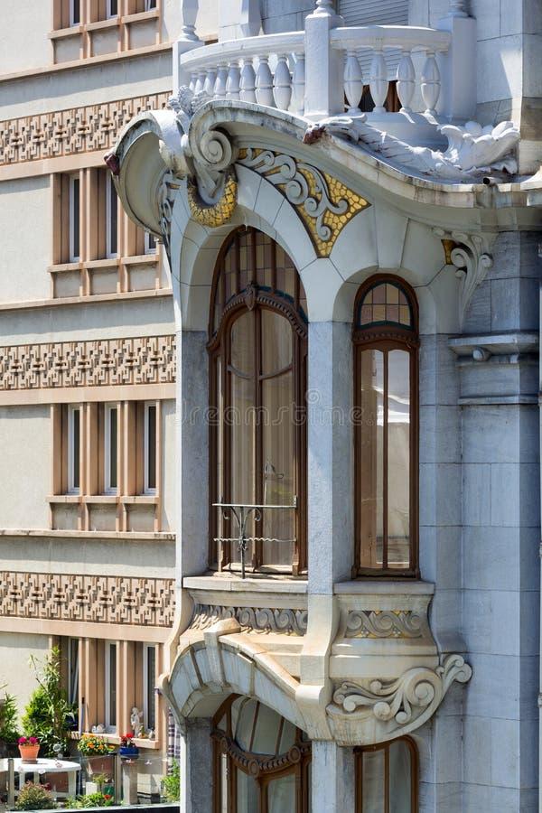 Uma constru??o no estilo da arquitetura de Art Nouveau fotografia de stock royalty free
