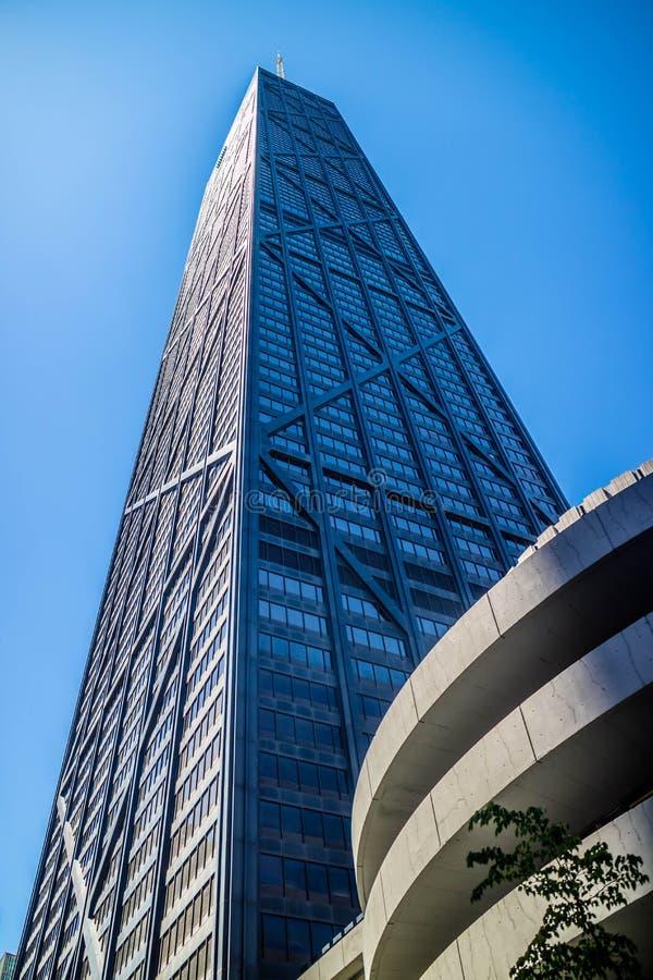 Uma constru??o enorme do arranha-c?us em Chicago, Illinois fotos de stock royalty free