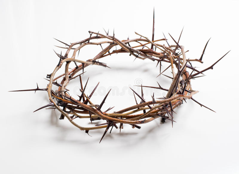 Uma coroa de espinhos em um fundo branco - Páscoa Religião foto de stock royalty free
