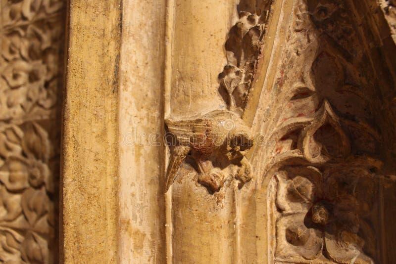 Uma coruja em Lincoln Cathedral fotografia de stock royalty free