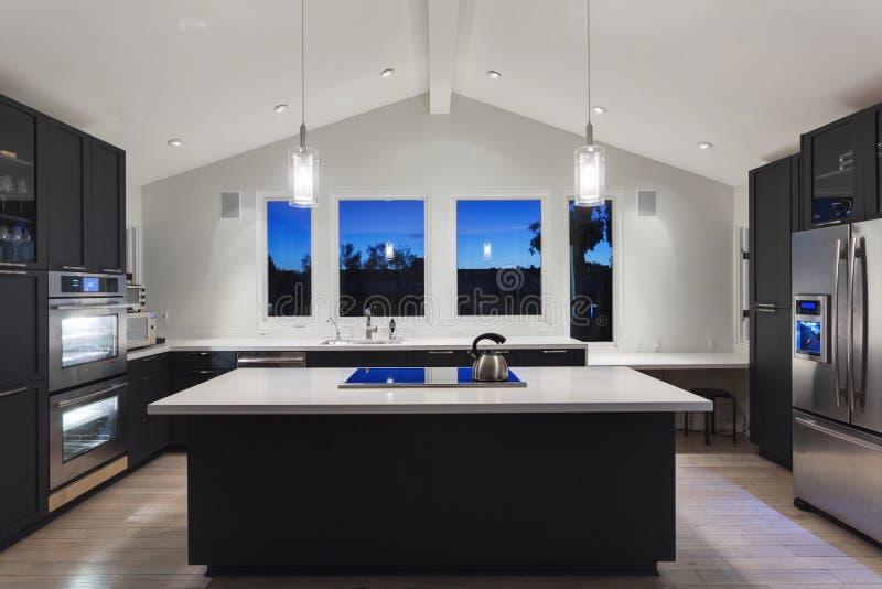 Uma cozinha moderna  foto de stock royalty free