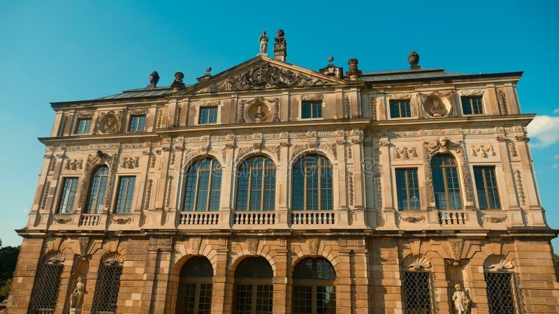 Uma das construções características de Dresden - saxão idoso t fotos de stock