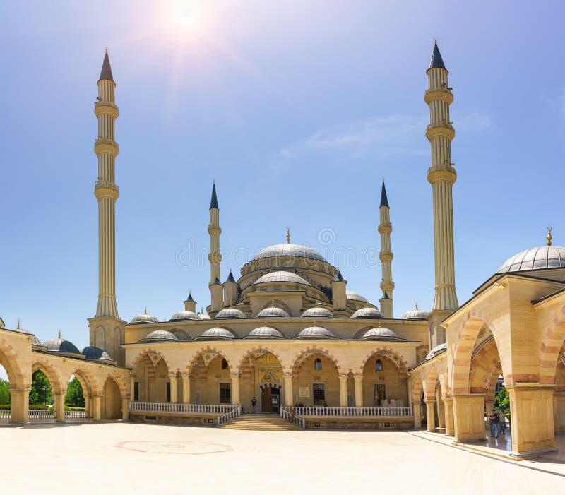 Uma das mesquitas as maiores em Rússia e em Europa que o coração de Chechnya nomeou após Akhmat Kadyrov fotografia de stock royalty free