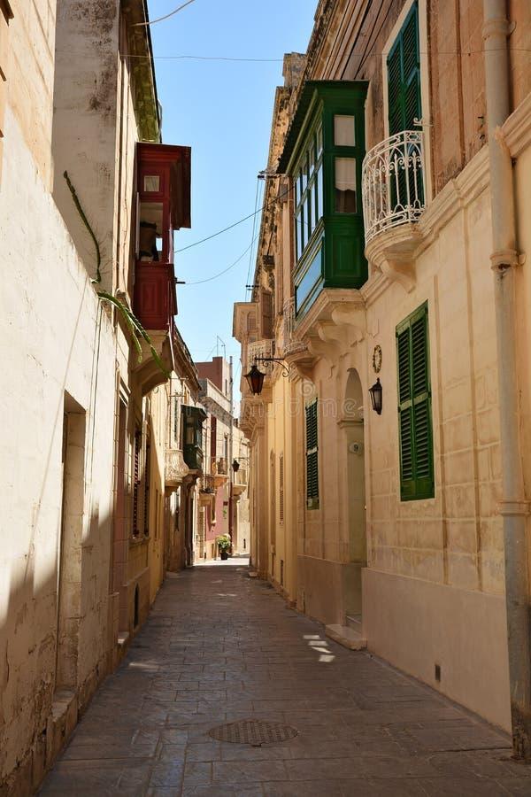 Uma das ruas velhas da cidade em Rabat foto de stock