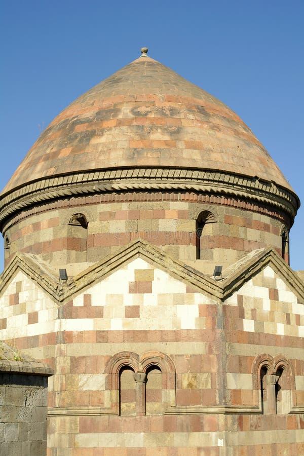 Uma das três cúpulas em Erzurum imagens de stock royalty free