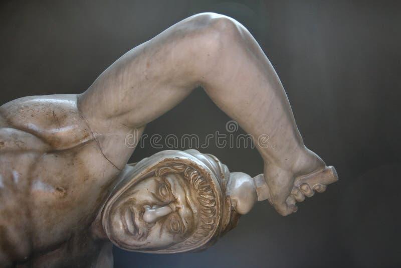 Uma de esculturas das estátuas em museus do Vaticano foto de stock royalty free