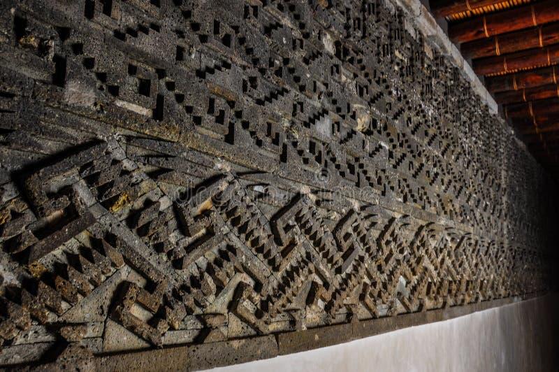 Uma de várias paredes em ruínas de Mitla, Oaxaca, México fotografia de stock royalty free