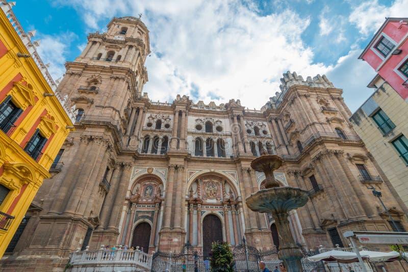 Uma e uma meia torre da catedral Malaga, a Andaluzia, Espanha fotografia de stock