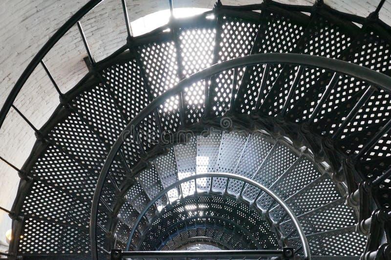 Uma escadaria espiral dentro de um farol foto de stock