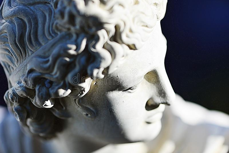 Uma escultura diminuta de Apollon imagens de stock royalty free