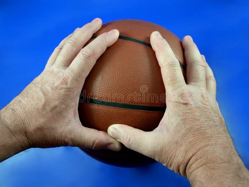 Uma esfera do basquetebol foto de stock royalty free