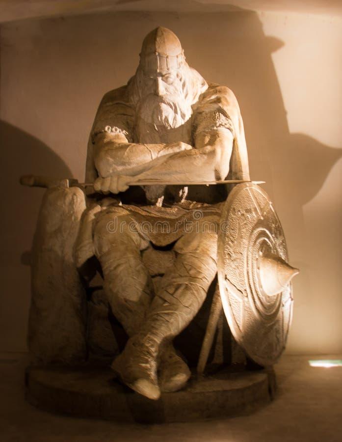 Uma estátua medieval dentro do castelo de Kronborg imagem de stock royalty free