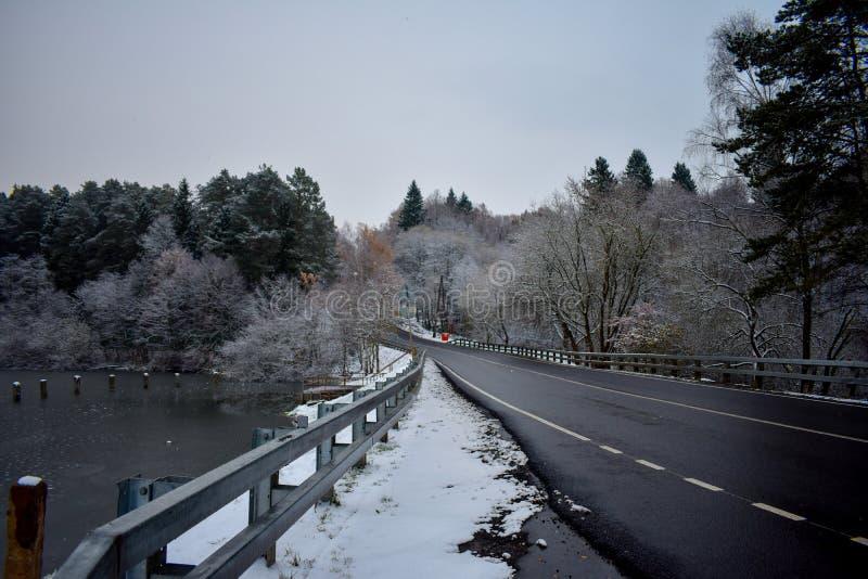 Uma estrada congelada foto de stock