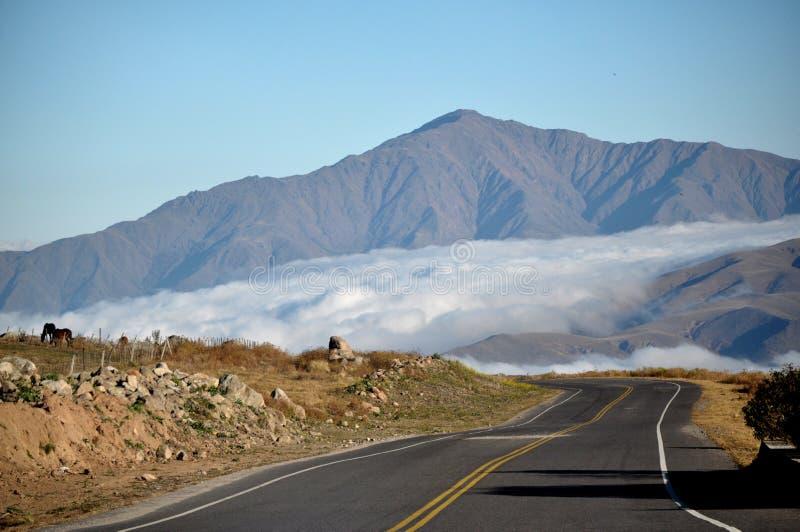 Uma estrada no céu imagens de stock